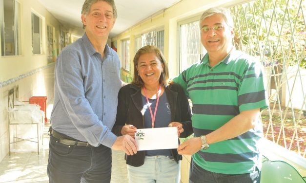 AMC faz doação ao Recanto da Criança