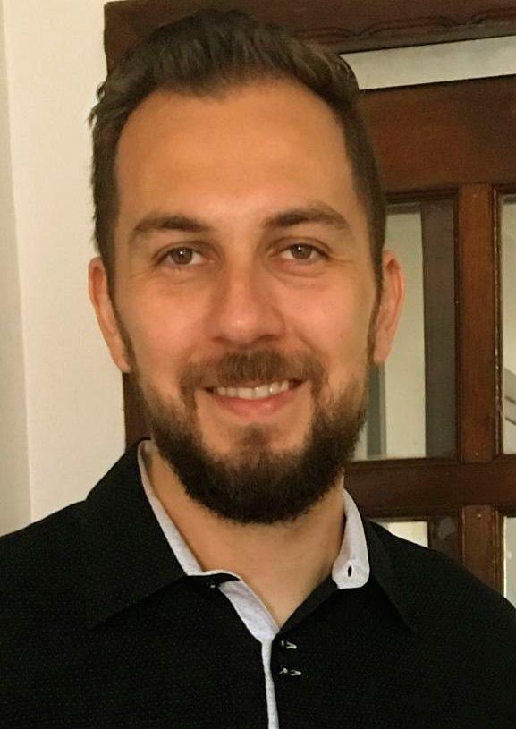 Fisioterapeuta Henrique Prado Rodrigues em artigo para a revista Afeto