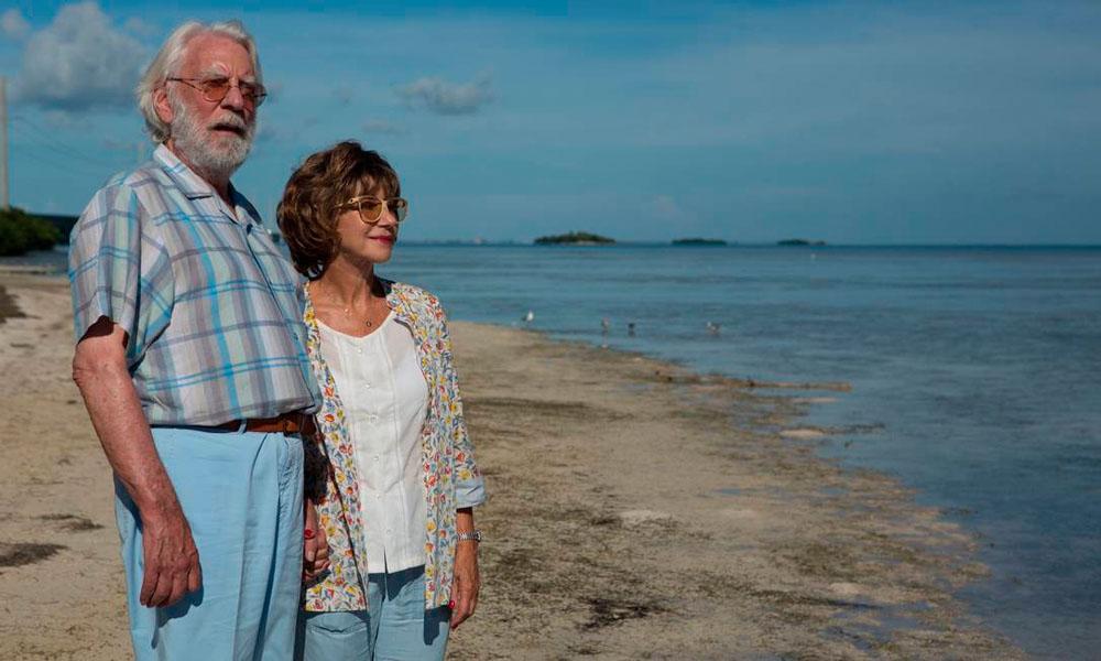 """Donal Sutherland e Helen Mirren em cenas do filme """"Ella e John"""""""